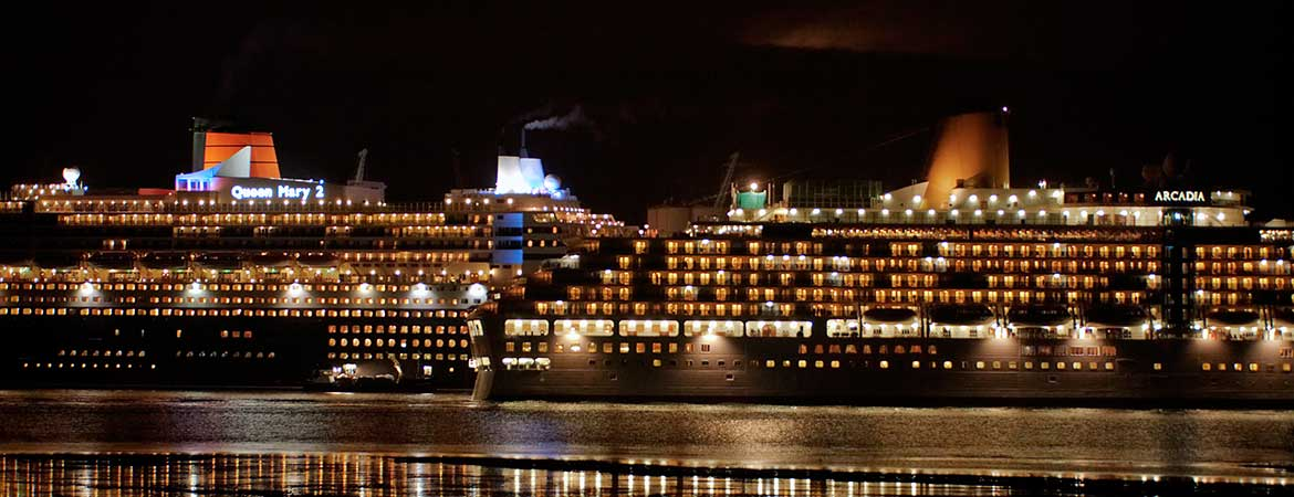 fibre optic lighting on the rms queen mary 2